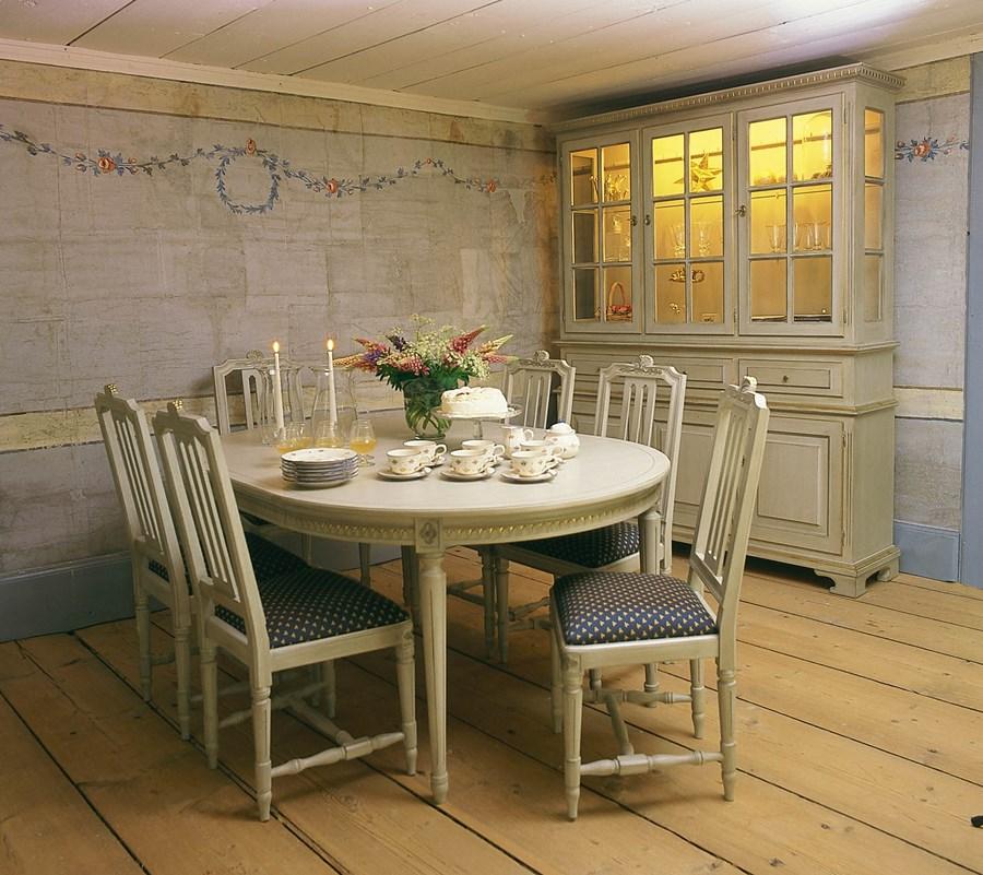Billiga Koksbord : Snyggt ovalt koksbord som passar ditt kok!